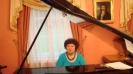 Біля роялю  - відома польська піаністка Марія Вільчек-Бака (Краків)